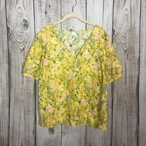 🌕4/$15🌕 Old Navy Yellow Floral Vneck Top Large